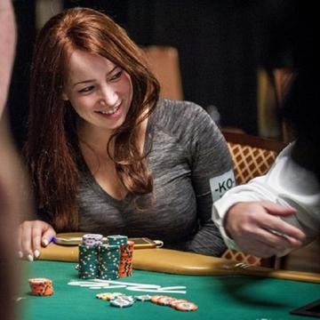 Melanie Hendry's avatar