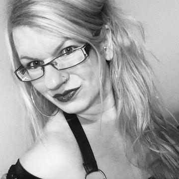 Eva Danko's avatar