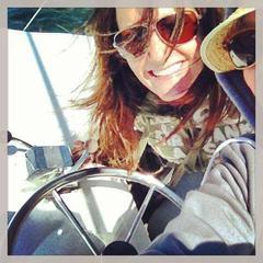 Lauren's avatar