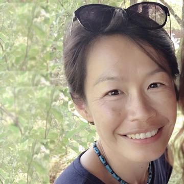 Zoe Chang's avatar