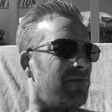 Dennis Van Vlaardingen's avatar