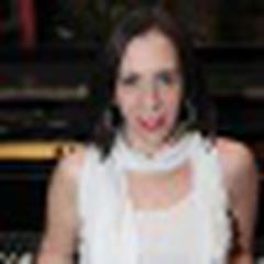 Cynthia Silveira's avatar