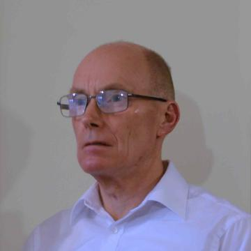 Robert Tucker's avatar