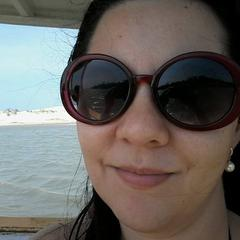 Caroline Rocha's avatar