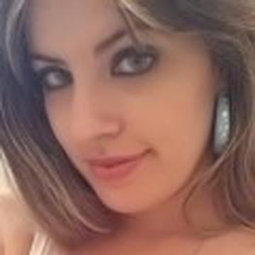 Juliana Gasparin's avatar