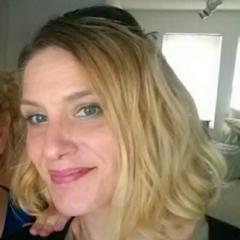 Jennifer Ridge's avatar