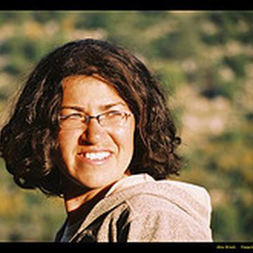 Roni Ravia's avatar