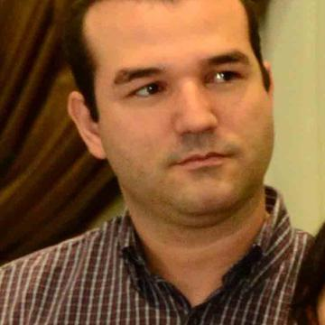Cris Tavares's avatar