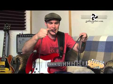 Guitar Quick Tip #4: How To Roll Your Cables (Guitar Lesson QT-004) thumbnail