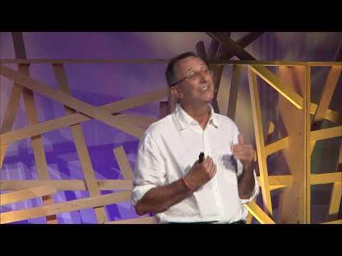 Elogio della collaborazione | Ennio Ripamonti | TEDxVarese thumbnail