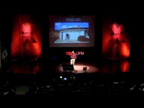 ¿A quién pertenece el pasado? | Alberto Garín | TEDxUFM thumbnail