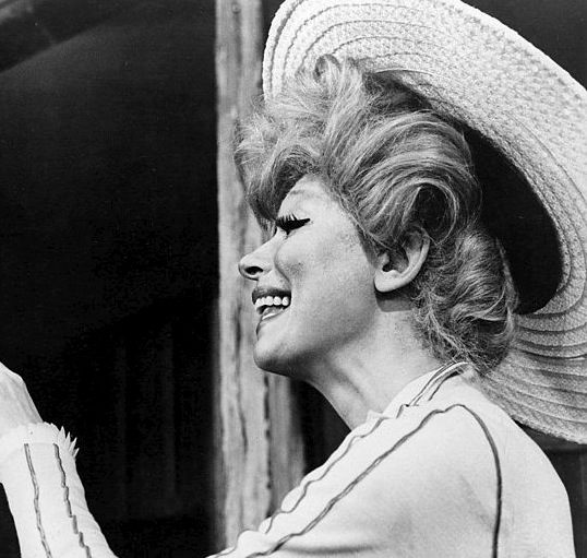 Interview with Carol Channing thumbnail