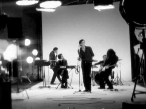 Suede - The Beautiful Ones thumbnail