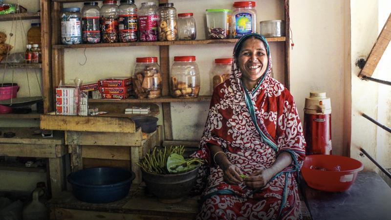 4 steps to ending extreme poverty thumbnail