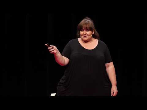 J'habite dans une grosse dame | Caroline Idoux | TEDxNouméa thumbnail