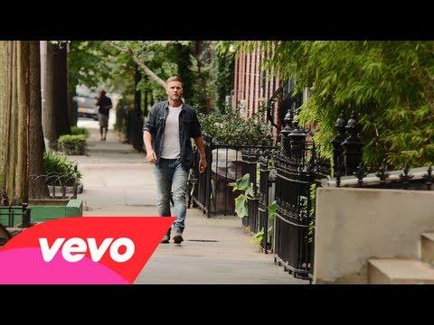 Gary Barlow - Let Me Go thumbnail