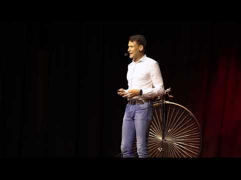 Miért kellene mindenkinek éltetnie a hagyományainkat | Kósa Ruben | TEDxNagykanizsa thumbnail