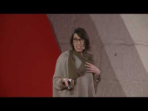 Marcas que nos marcam / Brands with impact | Marta Cunha | TEDxPorto thumbnail