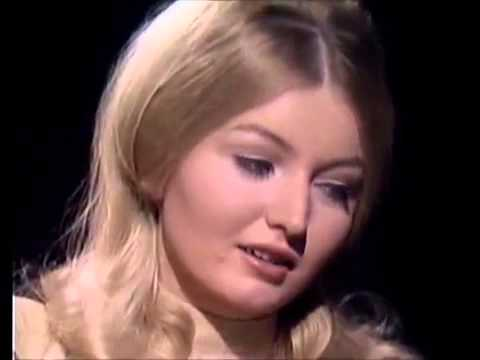 Mary Hopkin   Those Were The Days 1969  Rare Performance thumbnail