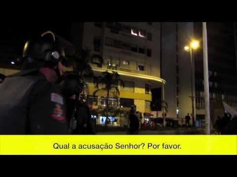 Vídeo flagra manifestante sendo presa aleatoriamente thumbnail