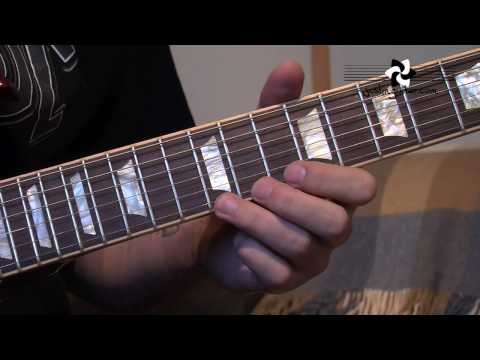 AC/DC - Angus Young: Style Licks (Guitar Lesson RO-101) thumbnail