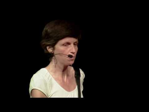 Sophie nous propose d'en finir avec nos inhibitions et te tout oser… | SOPHIE MASSIEU | TEDxRoanne thumbnail