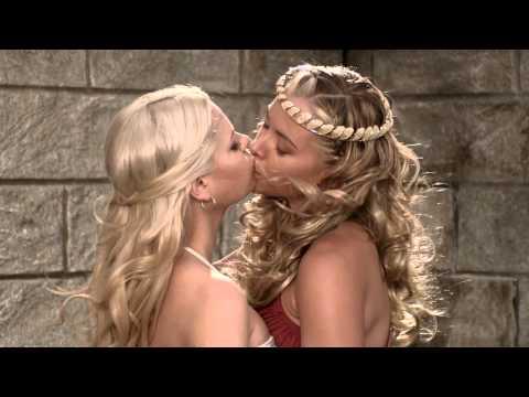 Kristanna loken kissing lesbian women