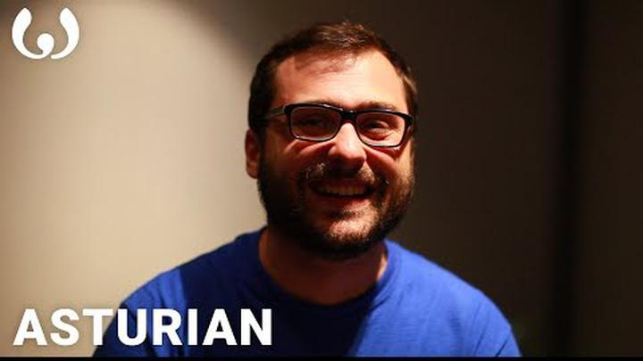WIKITONGUES: Victor speaking Asturian