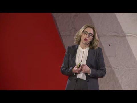 Confiança - Um Investimento em Valor | Emília O. Vieira | TEDxPorto thumbnail