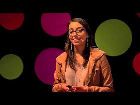 Desarrolladoras, una oportunidad de desarrollo | Mariana Costa | TEDxTukuy thumbnail